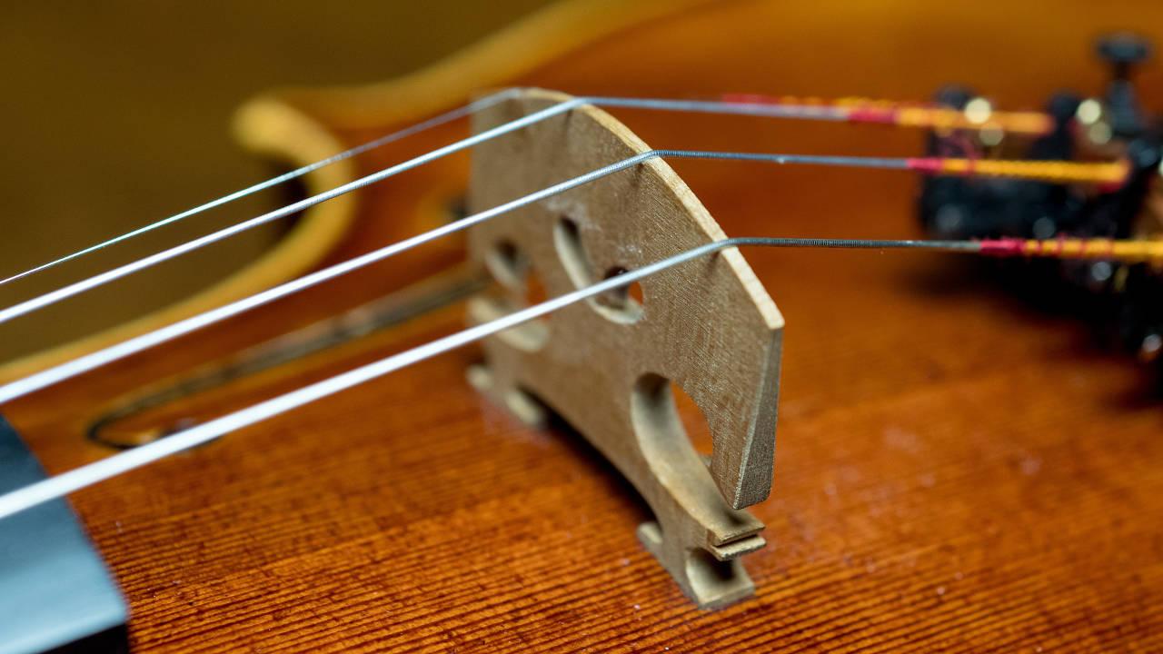 Violin Scratchy Sound - bridge