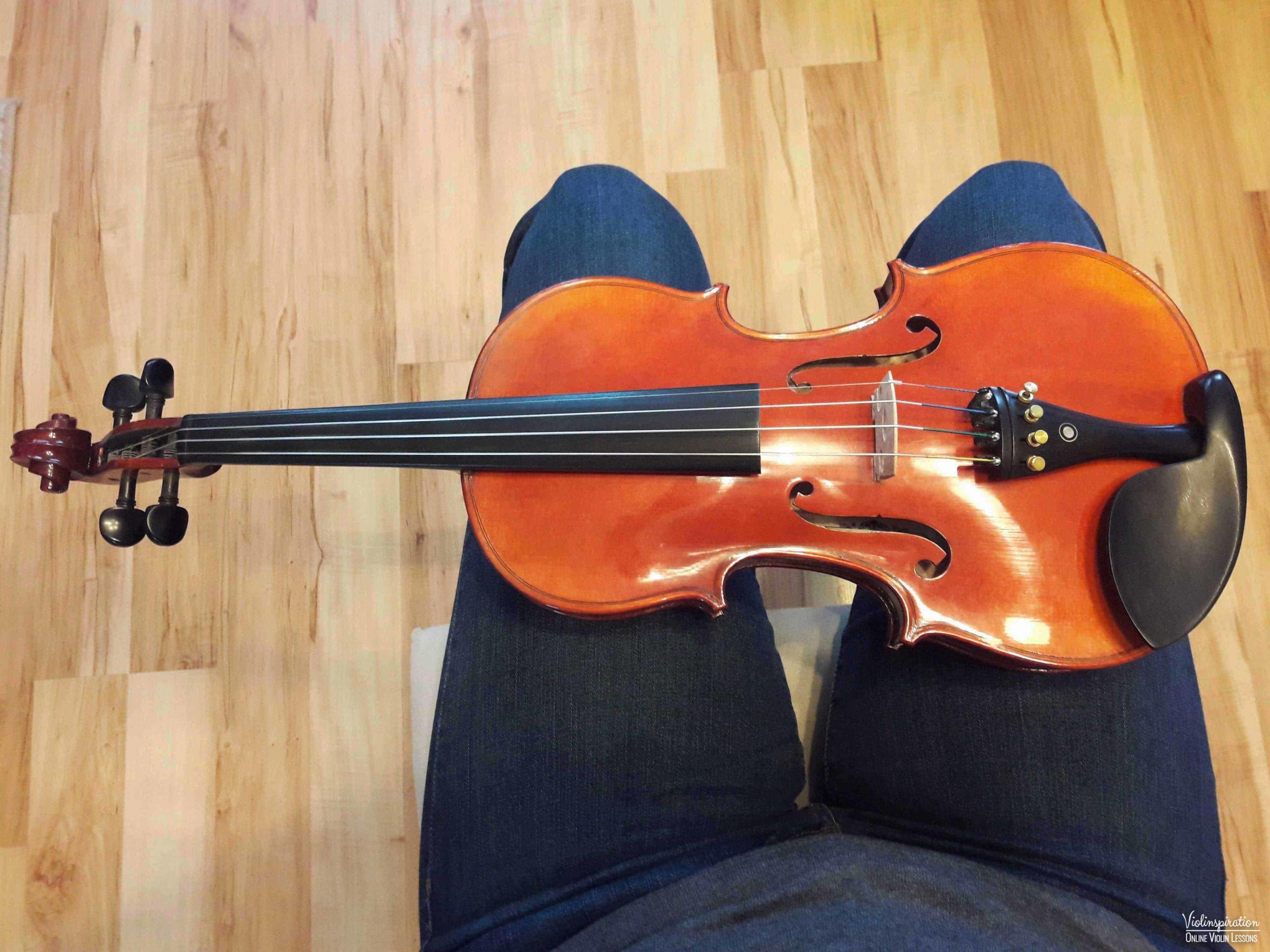 How to place a shoulder rest on a violin - step 1 v2_1